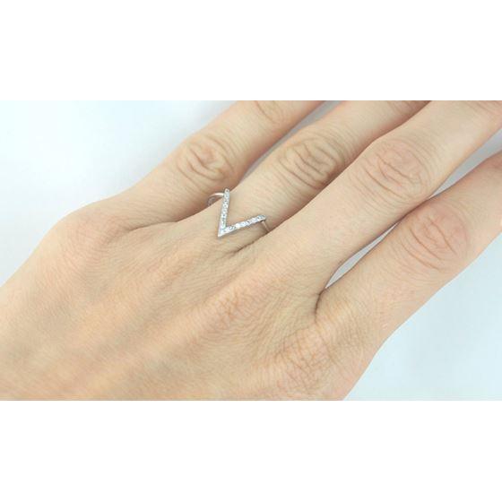 HOT! Sterling Silver V Ring Pave CZ 925